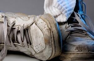 Кроссовки можно постирать в машинке на специальном режиме