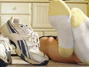 Чтобы ноги не воняли, носки надо менять каждый день