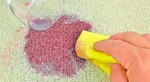 Как можно вывести пятно от красного вина