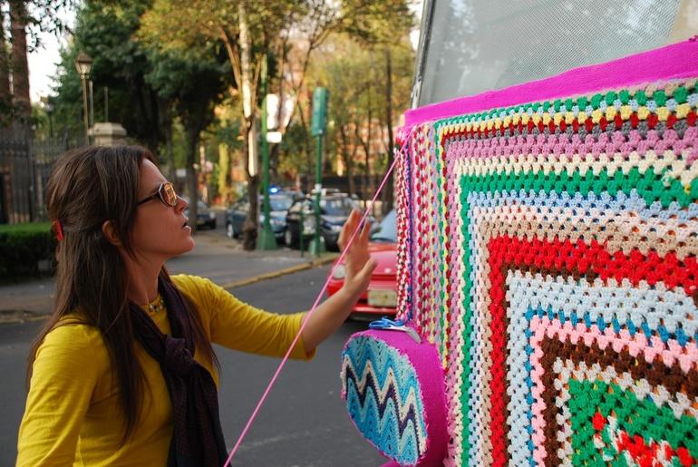 Подборка самых интересных вариантов уличного вязания