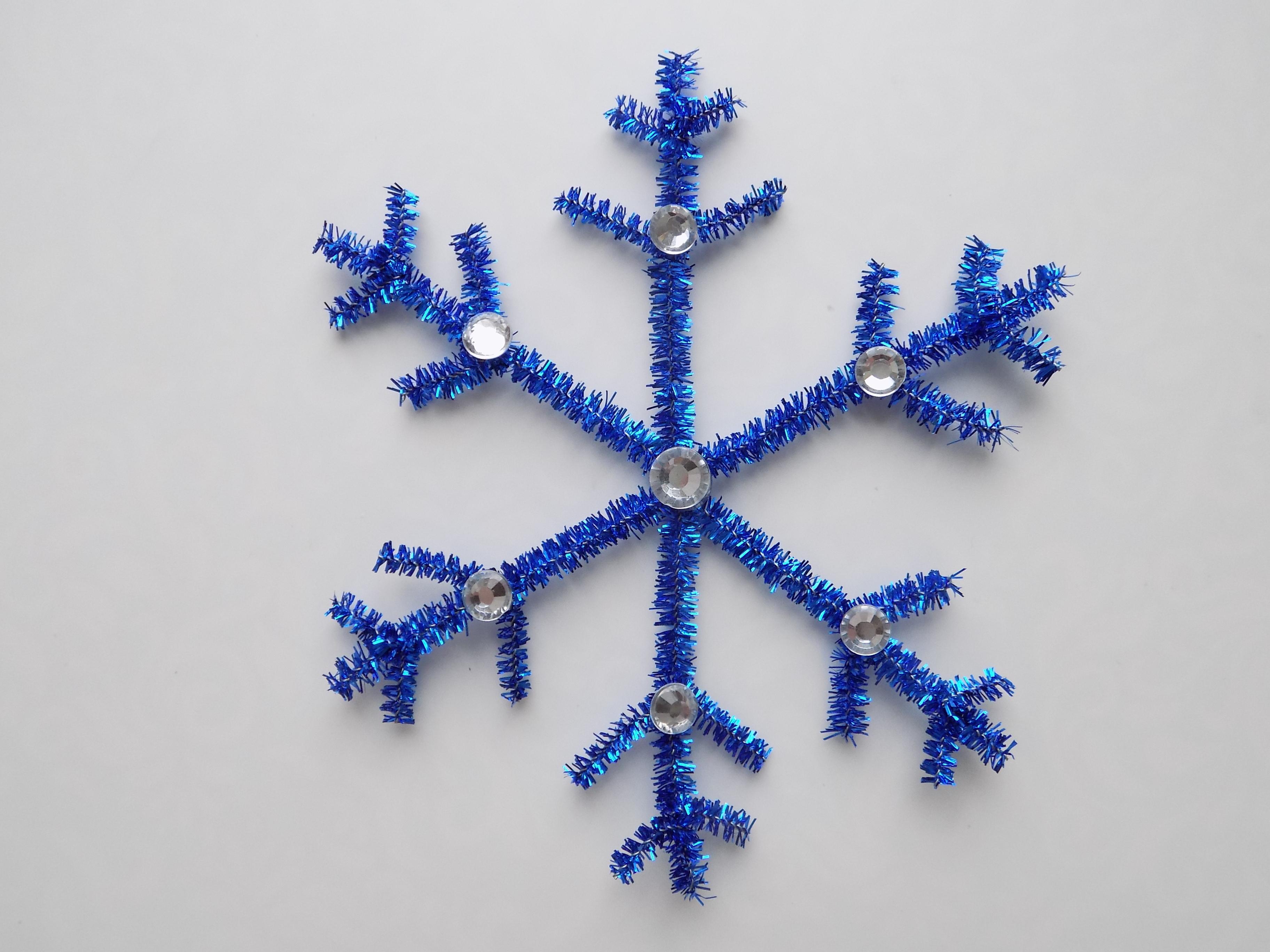 Как сделать снежинку из синельной проволоки и страз