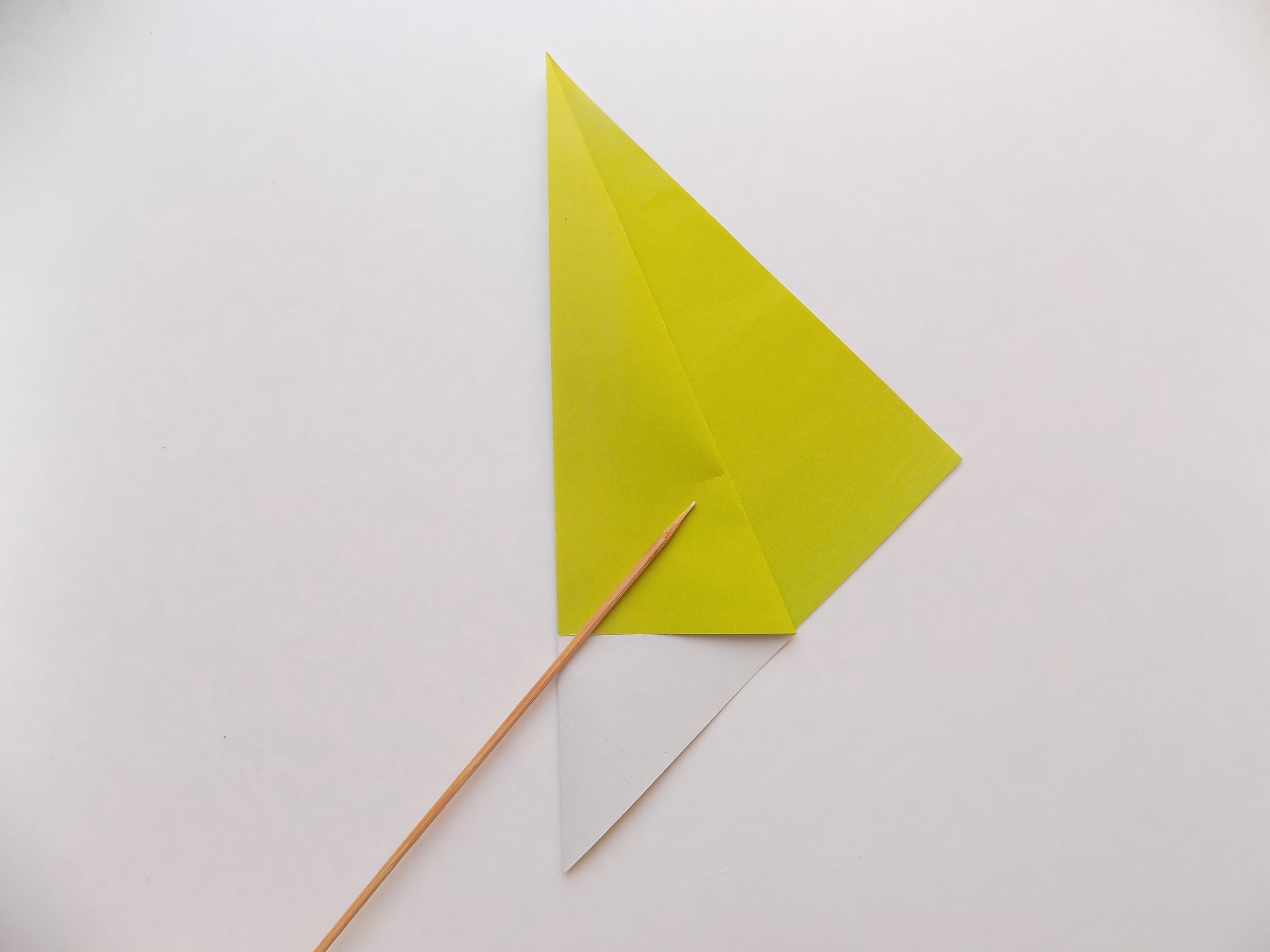 Как сделать птичку из бумаги в технике оригами?