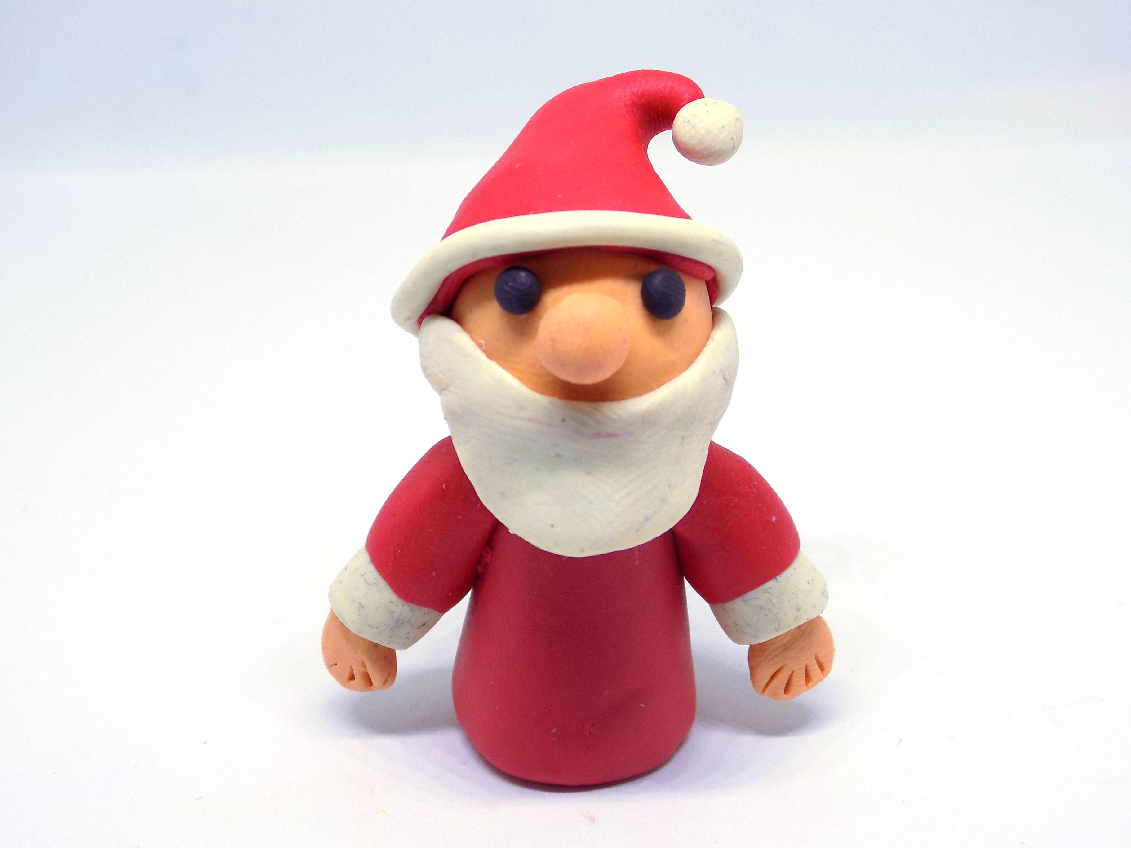Санта Клауса из пластилина. Новогодняя поделка