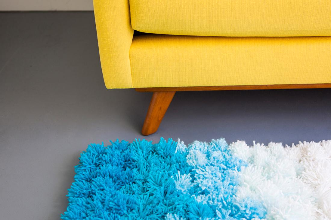Пастельный коврик из помпонов своими руками