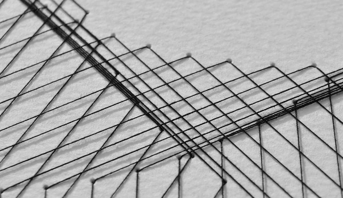 Вышивка на бумаге ниткой