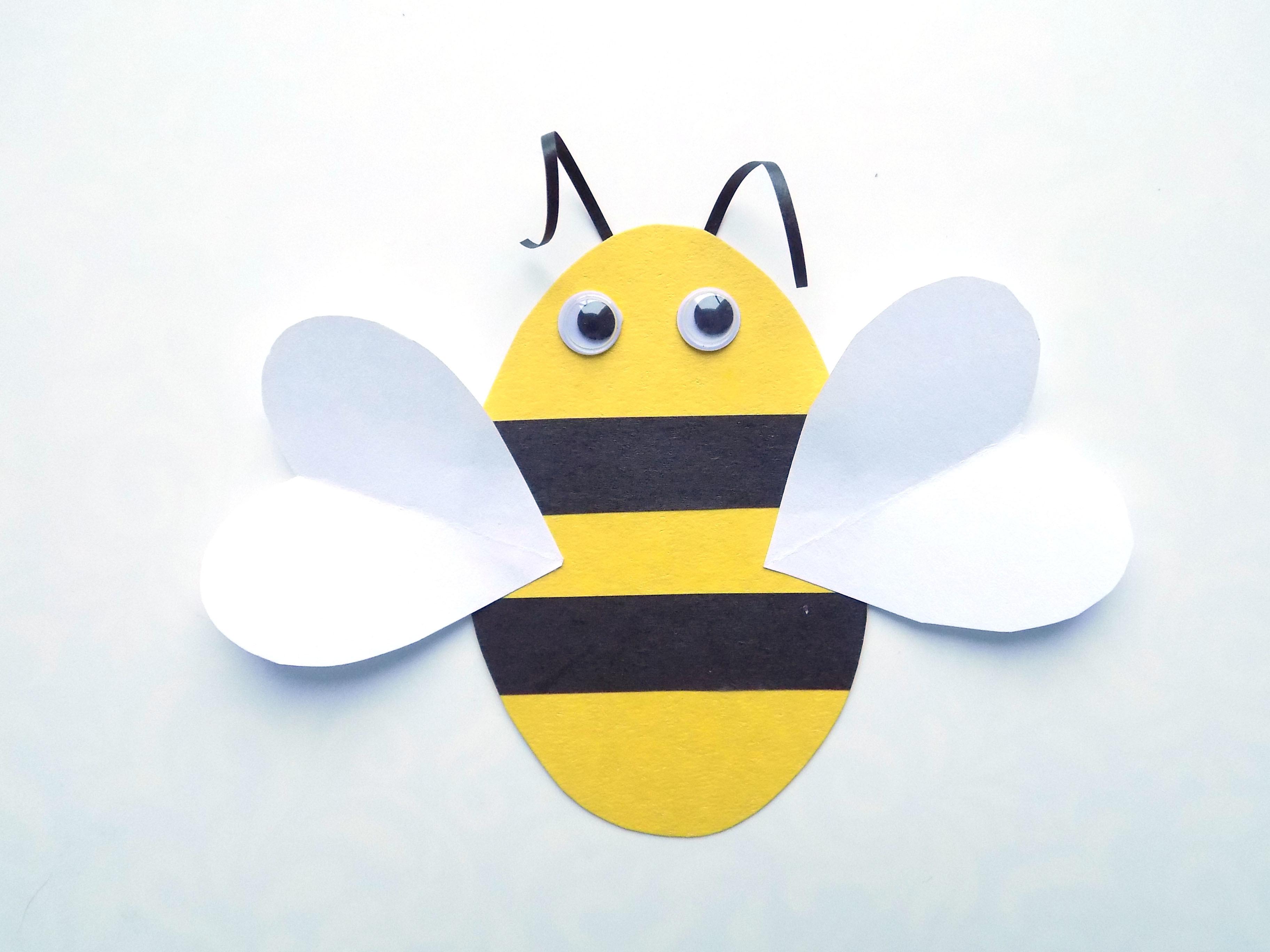 Простые поделки с детьми. Пчелка из картона и бумаги