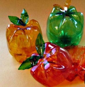Как использовать пластиковые бутылки для кухни? 10 идей для поделок