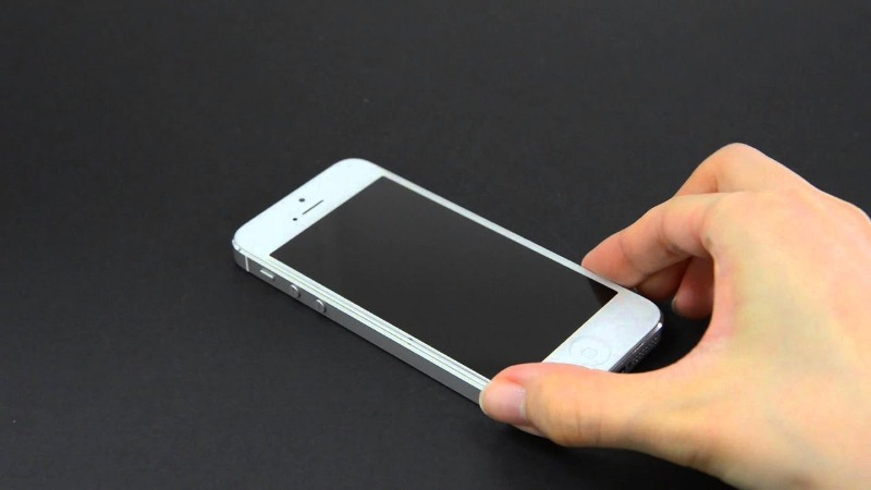 Как новый: 6 способов удалить царапины с экрана телефона и сэкономить деньги на мастере